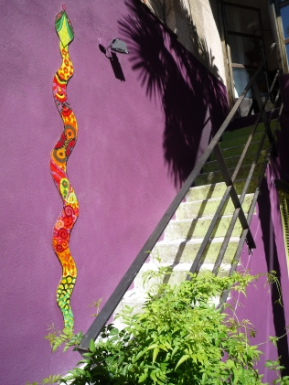 bijoux de jardin pâte de verre et albertini, 2m20 de long