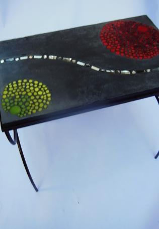 table basse mosaïque, béton etpâte de verre et béton (55cmx33,5cm, hauteur 47,5cm)