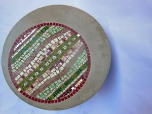 Table basse mosaïque et  béton rose et verte N°2-2 (800x600)