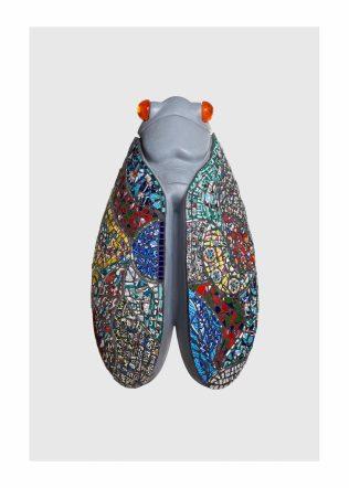 cigale mémé, support béton, mosaïque picassiette vaisselle, 40cmx70cm © Yves Inchierman