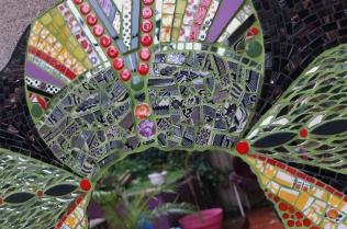 détail miroir Guadaloux, vaisselle