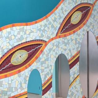 fresque murale, décoration d'un hall d'immeuble marseillais